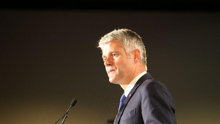 Laurent Wauquiez, président Les Républicains de la région Auvergne-Rhône-Alpes, lors d'un meeting àMandelieu-la-Napoule (Alpes-Maritime), le 26 octobre 2017. (ERIC VINCETTE / CITIZENSIDE / AFP)