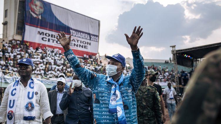 Le président de la République centrafricaine,Faustin Archange Touadéra, en meeting à Bangui, le 19 décembre 2020, pourles élections présidentielle et législatives du 27 décembre.  (ALEXIS HUGUET / AFP)