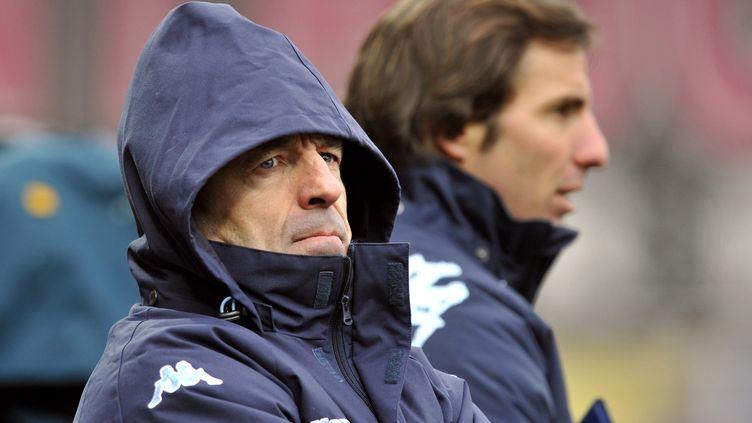 L'entraîneur du Racing Métro Pierre Berbizier le 11 février 2012 à Clermont-Ferrand (Puy-de-Dôme). (THIERRY ZOCCOLAN / AFP)