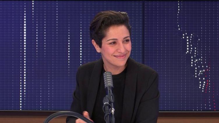 """Sarah El Haïry,secrétaire d'État chargée de la Jeunesse et de l'Engagement était l'invité du """"8h30 franceinfo"""", lundi 19 octobre 2020. (FRANCEINFO / RADIOFRANCE)"""