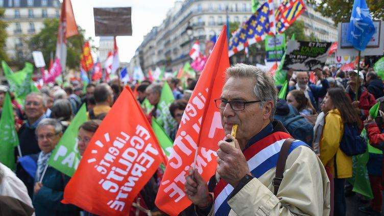 Des manifestants mobilisés à Paris pour protester contre la PMA pour toutes les femmes, le 6 octobre 2019. (LUCAS BARIOULET / AFP)