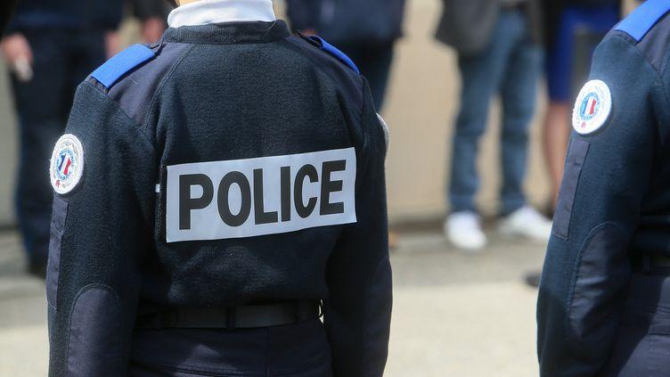 Des policiers à Valence (Drôme), le 19 mai 2021. (NICOLAS GUYONNET / HANS LUCAS / AFP)
