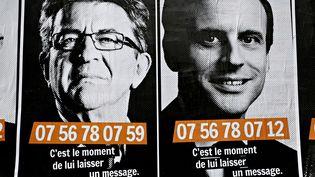 Depuis sa qualification au second tour de l'élection présidentielle, Emmanuel Macron tente d'attirer les électeurs de Jean-Luc Mélenchon. (ALEXANDROS MICHAILIDIS / SOOC / AFP)