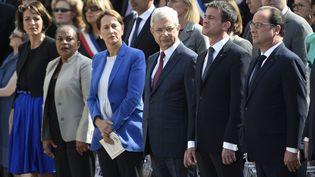 De gauche à droite, Marisol Touraine, Christiane Taubira, Ségolène Royal, Claude Bartolone, Manuel Valls et François Hollande, le 27 mai 2015, lors de la cérémonie d'entrée au Panthéon deGeneviève de Gaulle, Pierre Brossolette, Germaine Tillion et Jean Zay. (MARTIN BUREAU / AFP)