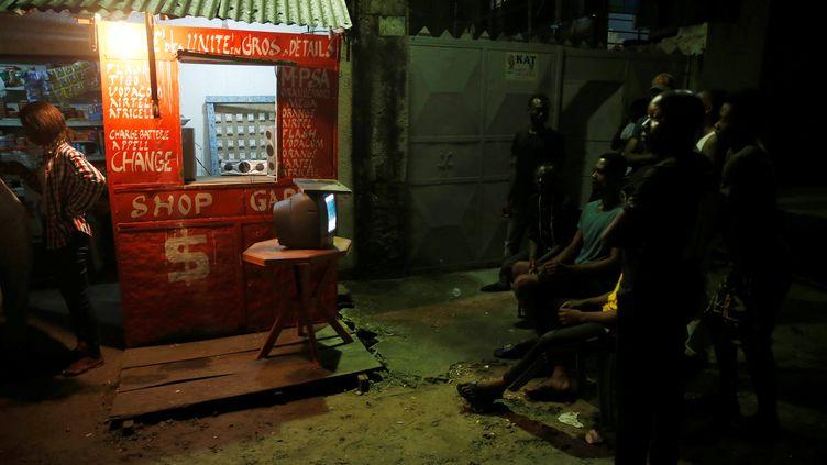 Les bars, plus ou moins luxueux, assurent l'animation, souvent bruyante, des nuits kinoises depuis de nombreuses années (photo prise le 9 janvier 2019). (BAZ RATNER / X02483)