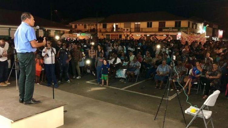 Léon Bertrand, le maire de Saint-Laurent-du-Maroni en Guyane s'adresse à ses administrés jeudi 13 septembre, en attendant sa mise sous écrous (ERIC LEON / GUYANE LA 1ERE)
