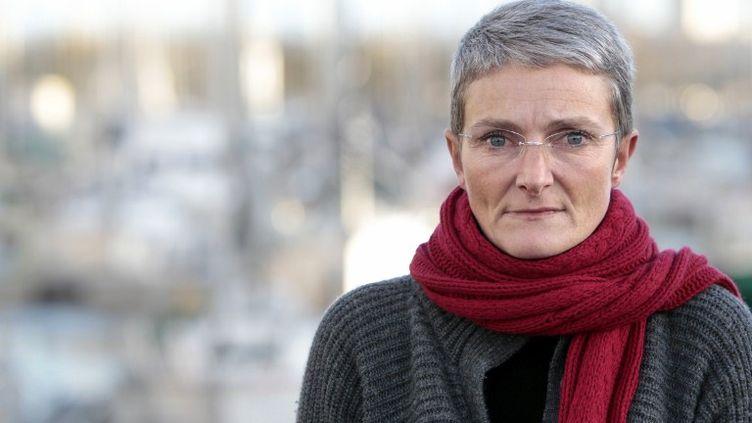Nathalie Barré, la mère du Mathis, 8 ans, le 13 décembre 2011 à Caen (Calvados). (KENZO TRIBOUILLARD / AFP)