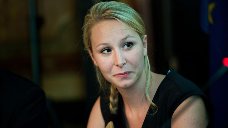 La tête de liste FN aux régionales en Paca, Marion Maréchal-Le Pen, lors d'une conférence à Paris, le 29 mai 2015. (CHAMUSSY / SIPA)