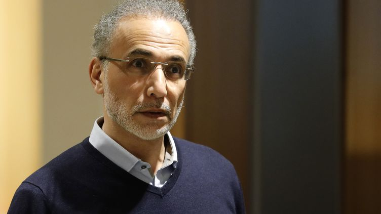 Tariq Ramadan arrive au Palais de justice de Paris, le 13 février 2020. (THOMAS SAMSON / AFP)