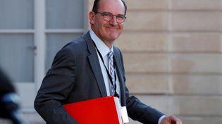 Jean Castex, alorschargé de coordonner les stratégies de déconfinement,quitte l'Elysée, le 19 mai 2020, à Paris. (GONZALO FUENTES / AFP)