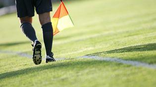 Un arbitre de football (illustration). (LIONEL VADAM / MAXPPP)
