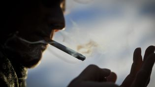 La Nouvelle-Calédonie, le pays francophone où il y a le plus de fumeurs, 48% de la population, le double de la métropole, dont la moitié de femmes. (Illustration) (MAXPPP)
