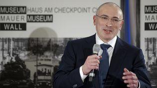 Mikhail Khodorkovsky devant la presse à Berlin le 22 décembre 2013 (REUTERS )