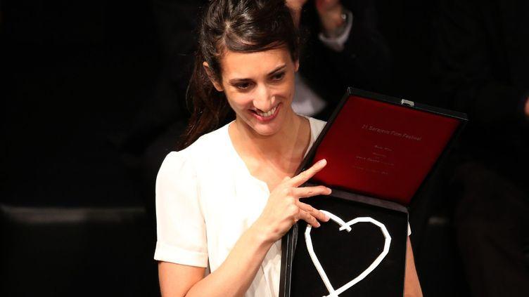 "La réalisatrice franco-turque Deniz Gamze Ergüven reçoit le ""Coeur de Sarajevo"" pour ""Mustang"".  (Haris Memija/SIPA)"