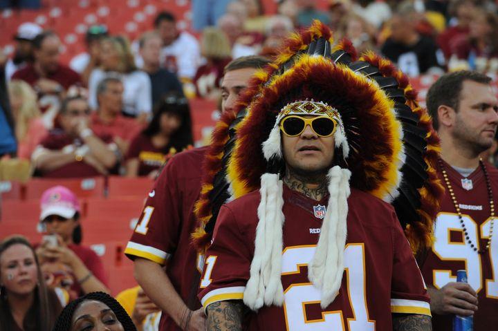 Un supporter des Washington Redskins lors du match contre les Philadelphia Eagles, le 9 septembre 2013 à Landover (Maryland, Etats-Unis). (LARRY FRENCH / GETTY IMAGES NORTH AMERICA)
