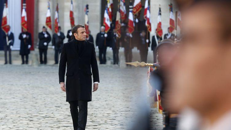Emmanuel Macron, le 2 décembre 2019 dans la cour des Invalides. (THIBAULT CAMUS / AP)