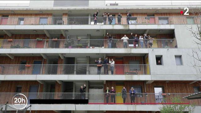 Écolieux : ces Français qui font le choix de la vie en collectivité