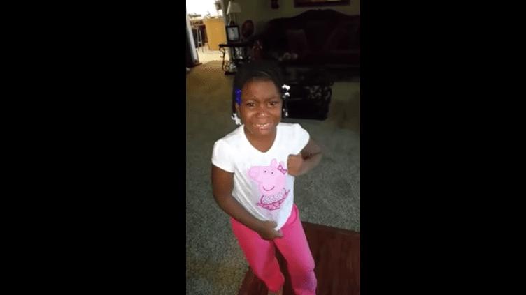 Il video della bambina che piange perché Obama non sarà