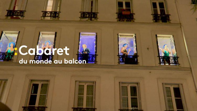Le cabaret Mixity se produit depuis les fenêtres d'un immeuble parisien (France 3)