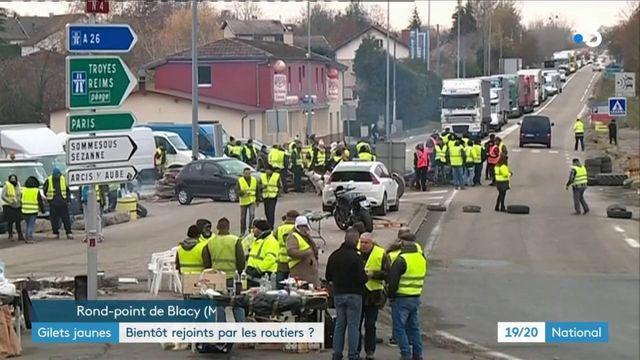 """""""Gilets jaunes"""" : les routiers vont-ils prendre part à la mobilisation ?"""