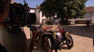 """Jean Becker tourne le """"Collier rouge"""" à Montbron en Charente  (France Télévisions/culturebox )"""