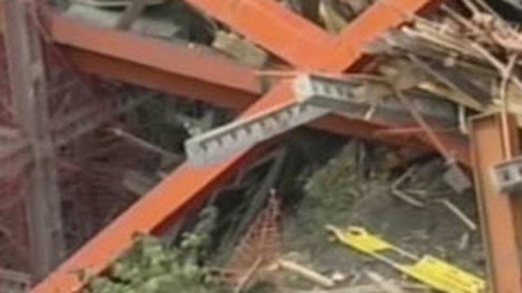 Effondrement d'un pont en construction en Andorre, le 7 novembre 2009. (France 2)
