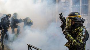 """Des affrontements entre policiers et manifestants, lors de la mobilisation toulousaine des """"gilets jaunes""""le 5 janvier. (PASCAL PAVANI / AFP)"""