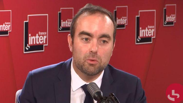 Sébastien Lecornu, ministre des Outre-Mer, lundi 5 octobre sur franceinfo. (FRANCEINTER / RADIOFRANCE)