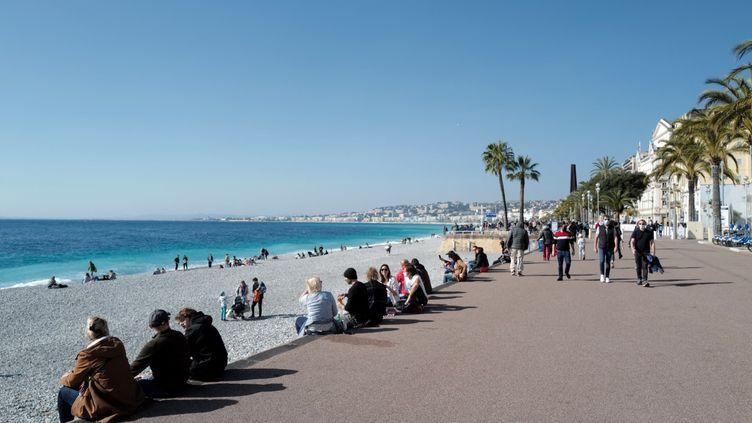 La promenade des Anglais à Nice (Alpes-Maritimes), dimanche 21 février 2021. (VALERY HACHE / AFP)