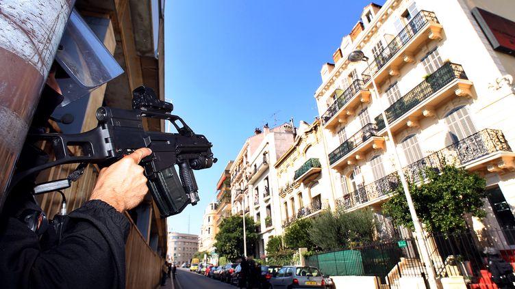 L'homme appartenait à la même cellule cannoise que les personnes interpellées par la police le 6 octobre 2012. (JEAN CHRISTOPHE MAGNENET / AFP)