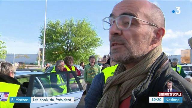 """Emmanuel Macron : les """"gilets jaunes"""" déçus des annonces du président"""