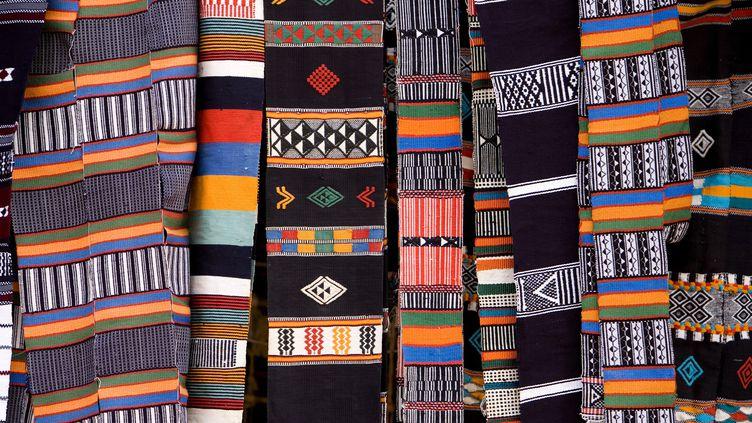 Les tissus imprimés du Niger, très réputés, sont concurrencés depuis plusieurs années par des cotonnades chinoises de mauvaise qualité. (MICHEL GUNTHER / BIOSPHOTO)