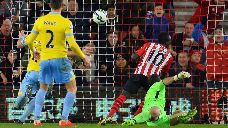 Sadio Mane marque le but de la victoire contre Crystal Palace (GLYN KIRK / AFP)