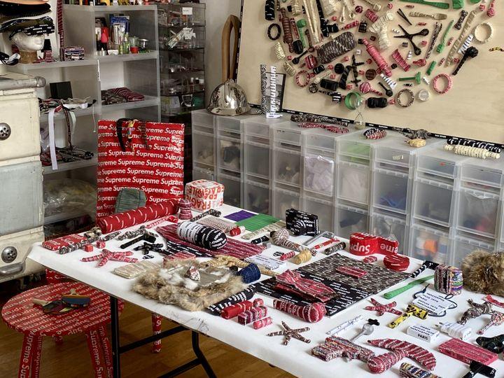 L'atelier parisien de l'artiste Nochapiq, juin 2020 (Nochapiq)