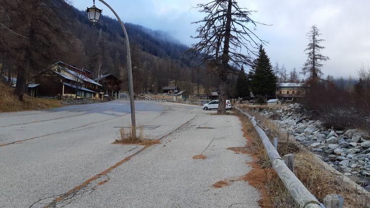 Le hameau deCasterinodésert dans la vallée des Merveilles (Alpes-Maritimes) qui a été touchée par la tempête Alex. (JEROME JADOT / FRANCEINFO / RADIO FRANCE)