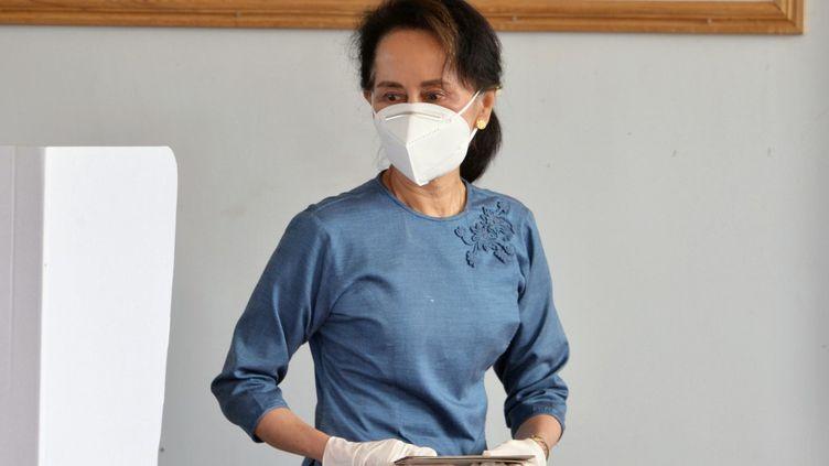 Aung San Suu Kyi àNaypyidaw (Birmanie), le 29 octobre 2020. (THET AUNG / AFP)