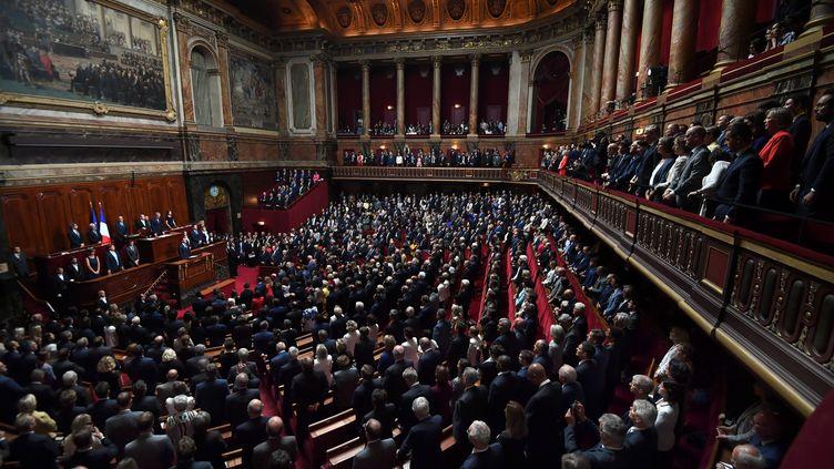 Les députés et sénateurs se sont réunis en Congrès à Versailles pour écouter le discours du président de la République, lundi 3 juillet. Il a notamment proposé une réforme des institutions. (ERIC FEFERBERG / POOL)