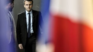 Emmanuel Macron à Bobigny (Seine-Saint-Denis), le 16 novembre 2016, après l'officialisation de sa candidature à l'élection présidentielle de 2017 (PHILIPPE LOPEZ / AFP)