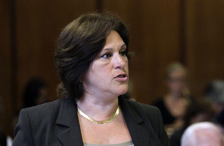 La procureure adjointe de Manhattan Joan Illuzzi-Orbon, lors d'une audience sur les accusations visant Dominique Strauss-Kahn, le 23 août 2011 à la Cour suprême de New York (Etats-Unis). (POOL NEW / REUTERS)