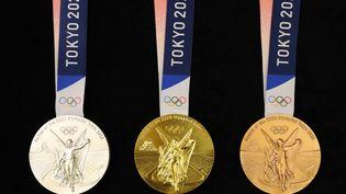 Les médailles olympiques des Jeux de Tokyo (KAZUKI WAKASUGI / YOMIURI / AFP)