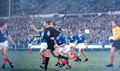 Les Français protestent à Wembley, lors du Mondial 1966.