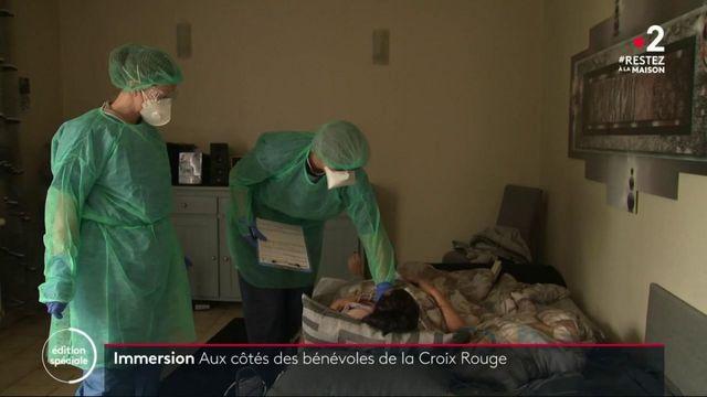Coronavirus : aux côtés des bénévoles de la Croix-Rouge