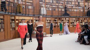 DéfiléChanel hautecouture automne-hiver 2019-20 lors de la semaine de la mode parisienne, le 2 juillet 2019 (O.SAILLANT)