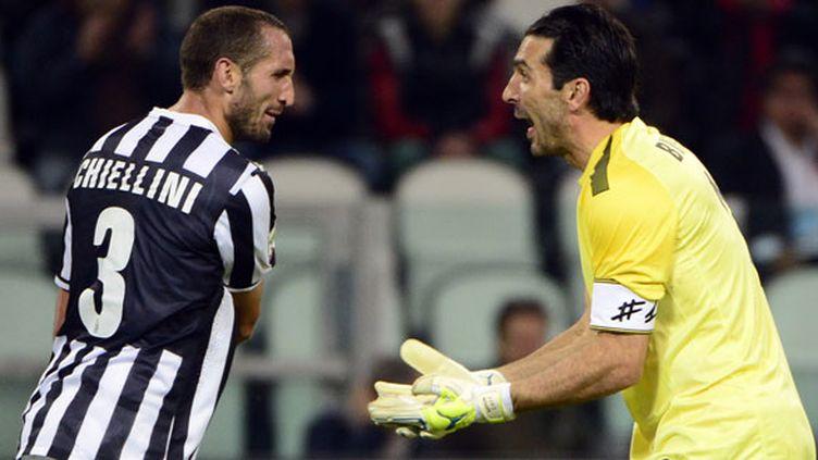 Le défenseur de la Juventus Turin Giorgio Chiellini et son gardien Gianluigi Buffon