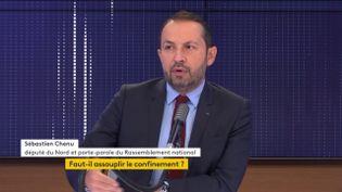 Sébastien Chenu, porte-parole du Rassemblement national, le 18 novembre sur franceinfo. (FRANCEINFO / RADIOFRANCE)