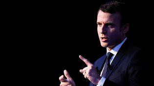 Emmanuel Macron a présenté son programme, jeudi 2 mars 2017 à Paris. (LIONEL BONAVENTURE / AFP)