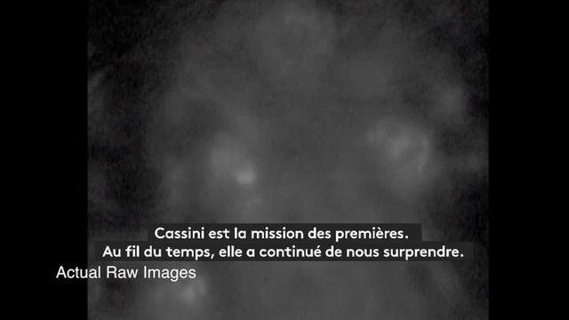 VIDEO. La plongée de la sonde Cassini sous les anneaux de Saturne