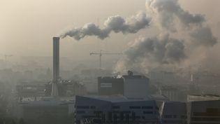 Les pays membres de l'UE ont décidé de réduire leurs émissions de gaz à effet de serre d'ici à 2030, le 24 octobre 2014. (MAXPPP)