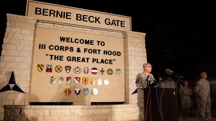 Le général Mark Milley, commandant de la base militaire de Fort Hood (Texas), s'exprime lors d'une conférence de presse, le 2 avril 2014. (DREW ANTHONY SMITH / GETTY IMAGES NORTH AMERICA)