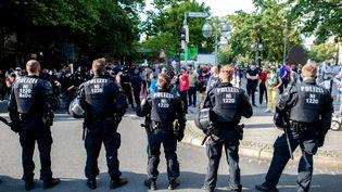 Ds policiers à Hanovre (Allemagne), en septembre 2020. (HAUKE-CHRISTIAN DITTRICH / DPA)